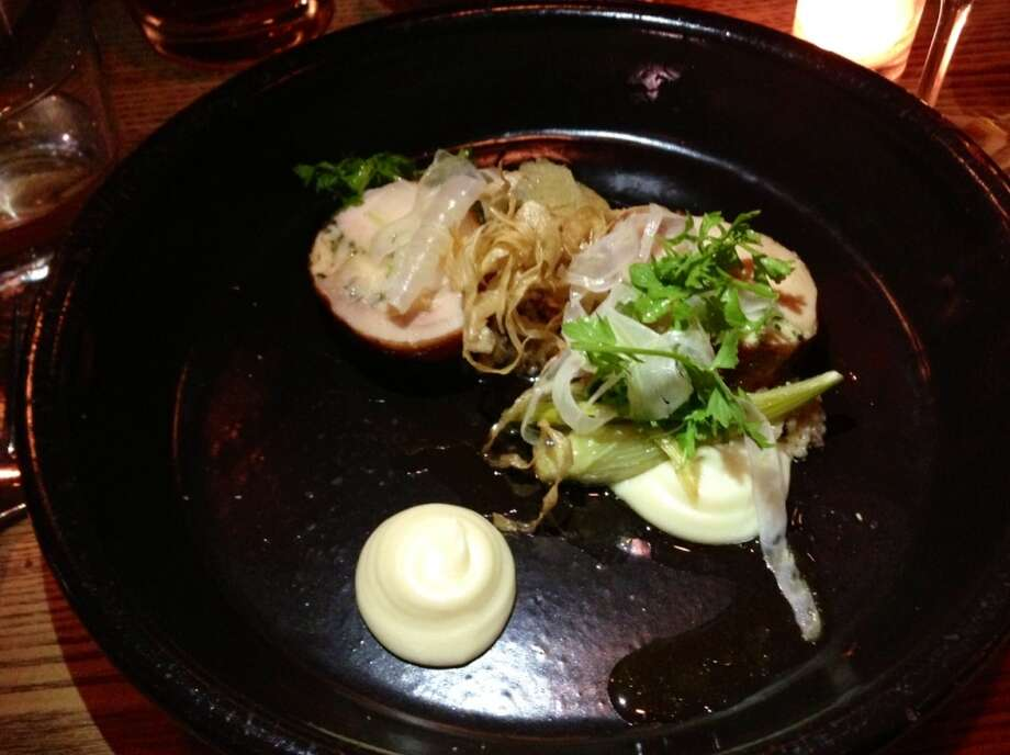 Chicken with potato-parsnip puree, musrhooms adn roasted fennel