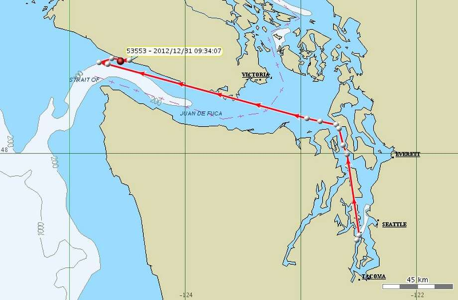 Dec. 31: As a continuation of a project began last year, the Northwest Fisheries Science Center began tagging killer whales to help them understand where Southern resident killer whales go in the winter, and thus their winter habitat use. Center researchers tagged an adult male, K25, in Puget Sound on Dec. 29 with a satellite-linked tag. The information gathered from this tag will help address the data gap in winter distribution of the whales. Photo: NOAA