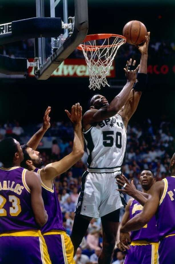 David Robinson MVP: 1995 Age 28: 29.8 points, 10.7 rebounds Age 29: 27.6 points, 10.8 rebounds Age 30: 25.0 points, 11.1 rebounds Age 31: 17.7 points, 8.5 rebounds Career: 21.1 points, 10.6 rebounds