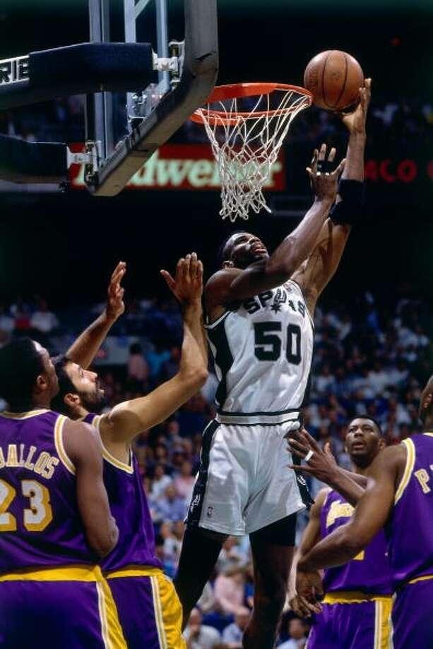 David RobinsonMVP: 1995 Age 28: 29.8 points, 10.7 rebounds Age 29: 27.6 points, 10.8 rebounds Age 30: 25.0 points, 11.1 rebounds Age 31: 17.7 points, 8.5 rebounds Career: 21.1 points, 10.6 rebounds