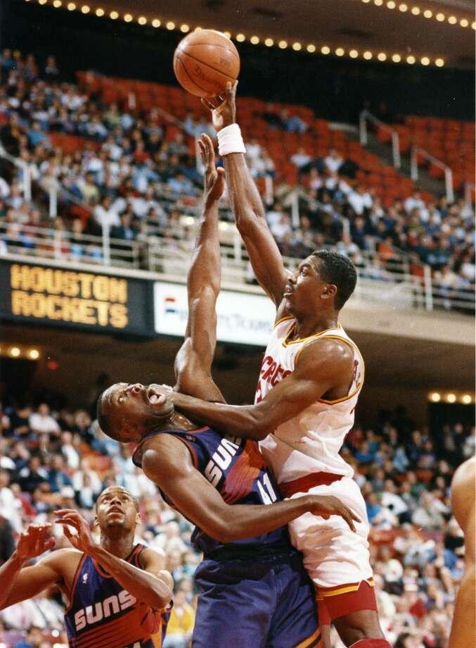 Hakeem OlajuwonMVP: 1994 Age 28: 21.2 points, 13.8 rebounds Age 29: 26.1 points, 13.0 rebounds Age 30: 27.3 points, 11.9 rebounds Age 31: 27.8 points, 10.8 rebounds Career: 21.8 points, 11.1 rebounds