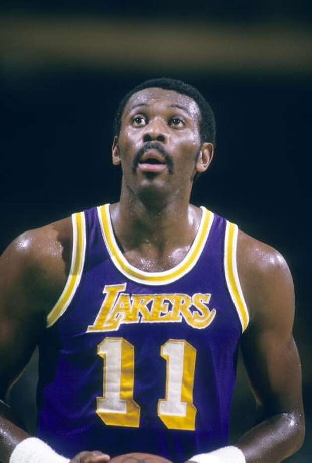 Bob McAdooMVP: 1975 Age 28: 21.1 points, 8.1 rebounds Age 29: 10.3 points, 4.2 rebounds Age 30: 9.6 points, 3.9 rebounds Age 31: 15.0 points, 5.3 rebounds Career: 22.1 points, 7.1 rebounds