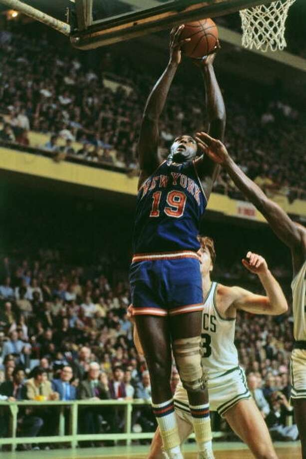 Willis Reed MVP: 1970 Age 28: 20.7 points, 13.7 rebounds Age 29: 13.4 points, 8.7 rebounds Age 30: 11.0 points, 8.6 rebounds Age 31: 11.1 points, 7.4 rebounds Career: 18.7 points, 12.9 rebounds