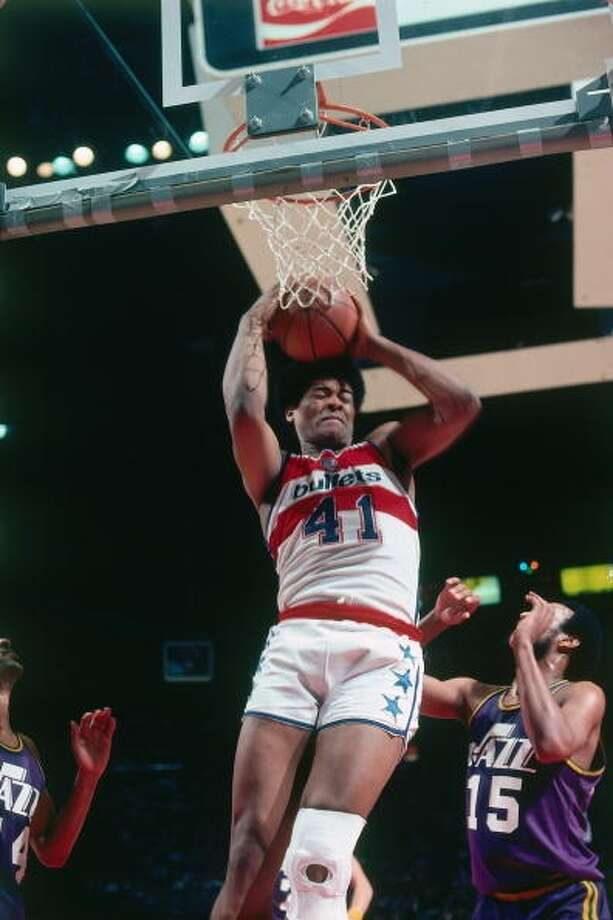 Wes Unseld MVP: 1969 Age 28: 9.2 points, 14.8 rebounds Age 29: 9.6 points, 13.3 rebounds Age 30: 7.8 points, 10.7 rebounds Age 31: 7.6 points, 11.9 rebounds Career: 10.8 points, 14.0 rebounds