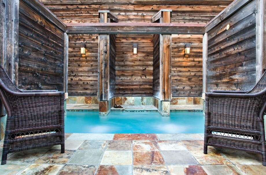 The rustic elegance and privacy of the Ventana Inn and Spa has attracted celebrity couples since its opening in 1975, beginning with Steve McQueen and Ali McGraw.