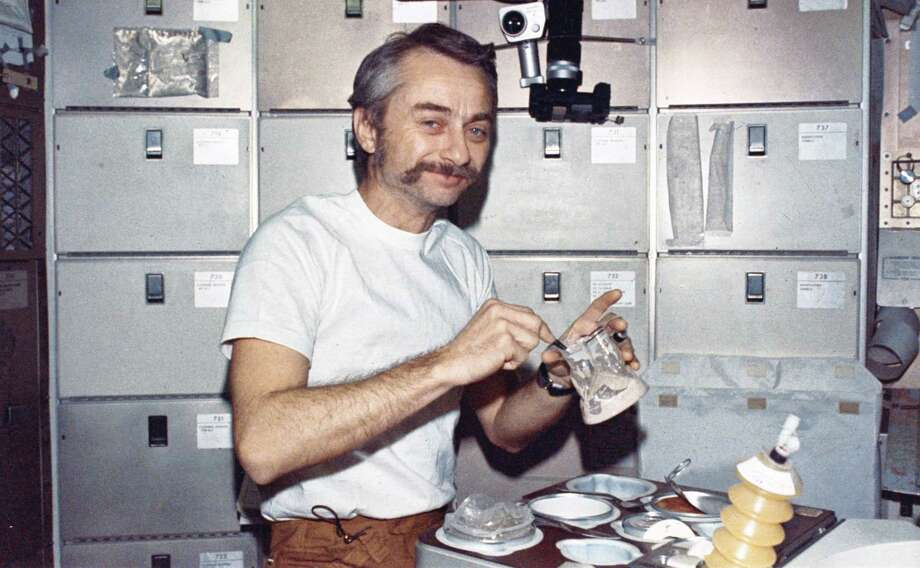 Here's another view of astronaut and scientist Owen Garriott during the second crewed Skylab mission. Photo: Science & Society Picture Librar, SSPL Via Getty Images / Please read our licence terms. All digital images must be destroyed unless otherwise agreed in writing.