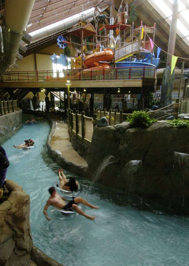 TIMES UNION STAFF PHOTO BY SKIP DICKSTEIN     Interior vew of the waterpark at The Six Flags Great Escape Lodge & Indoor Waterpark which opened to the public with a press conference today at the Lake George, New York resort February 7, 2006. Photo: SKIP DICKSTEIN / ALBANY TIMES UNION