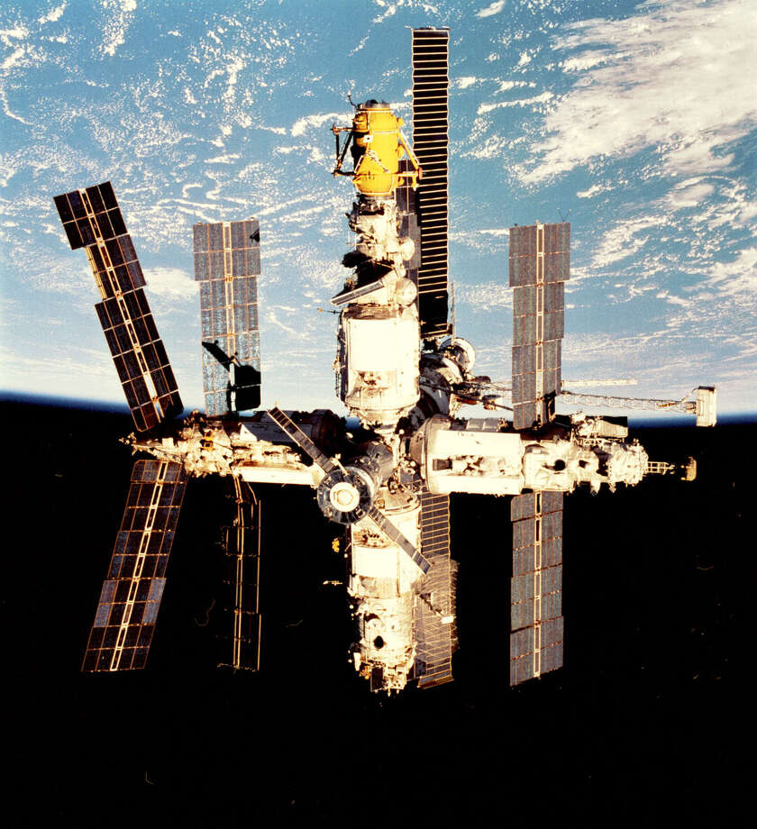 The Soviet Union and then Russia assembled the Mir space station in orbit over a decade, starting in 1986. Photo: NASA, Getty Images / Getty Images North America