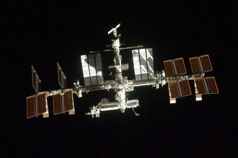 Here's a view of the International Space Station from Atlantis in 2011. Photo: NASA, Getty Images / 2011 NASA