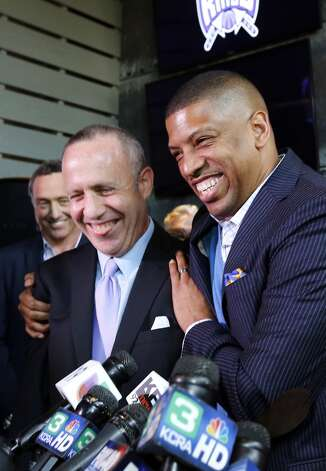 May 7, 2013: With an apparenty leg up on his competition for the NBA's Kings, Sacramento Mayor Kevin Johnson (pictured at right) says that the lead Seattle investors, Chris Hansen and Steve Ballmer, should ''take the high road'' and ''be gracious.''  Photo: Rich Pedroncelli, Associated Press