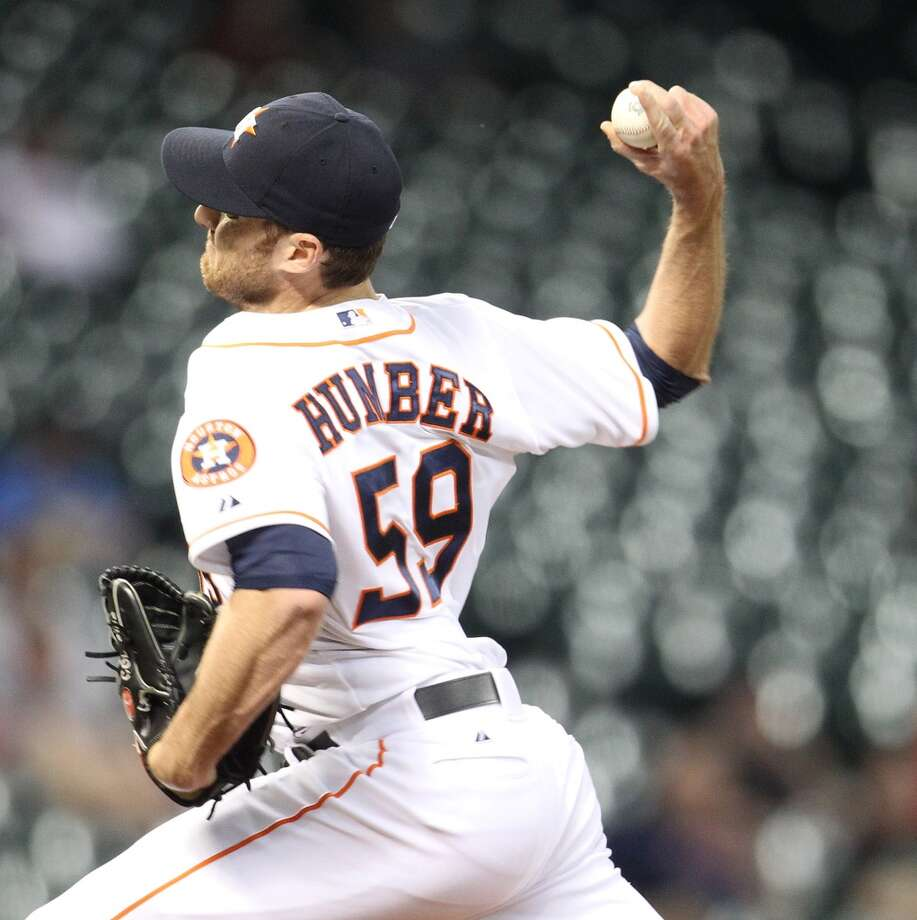 Astros pitcher Philip Humber (59) pitches in relief. Photo: Karen Warren, Houston Chronicle