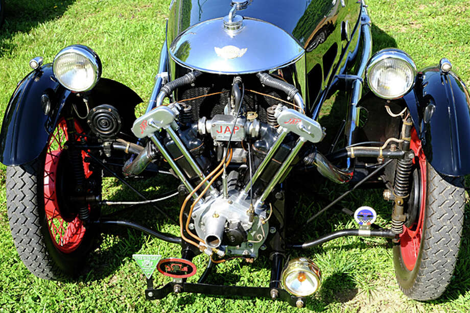Impressive front end on a '34 Morgan Super Sport Trike. / copyright: Dan Lyons - 2013