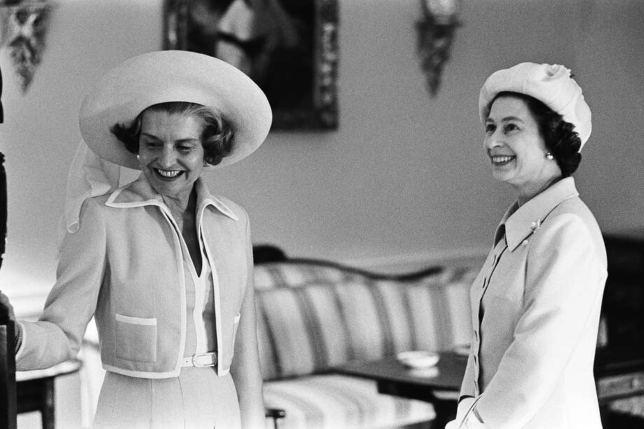 1975: First Lady Betty Ford dons an uncharacteristic hat to honor Queen Elizabeth II as she shows her guest around the White House. Photo: David Hume Kennerly, Getty Images / 2006 David Hume Kennerly
