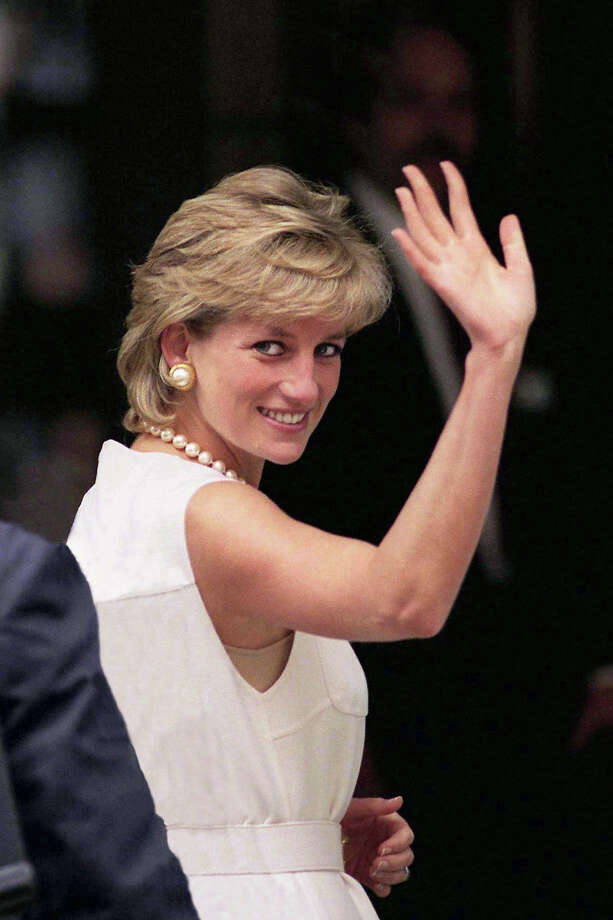 1996: Diana, Princess of Wales visits Chicago. Photo: Tim Graham, Tim Graham/Getty Images / Tim Graham Photo Library