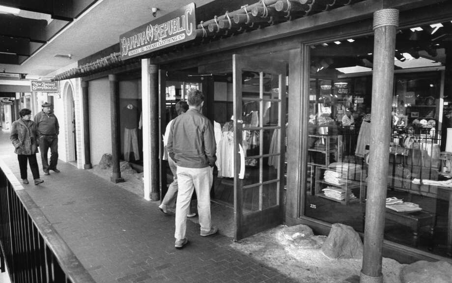 "Jan. 24, 1989: A Banana Republic storefront, shortly before it abandoned the safari theme. This is my ""before"" shot, although I failed in my attempt to find a storefront with a jeep bursting through. If someone has a photo that they have legal rights to pass on, please send it my way ..."