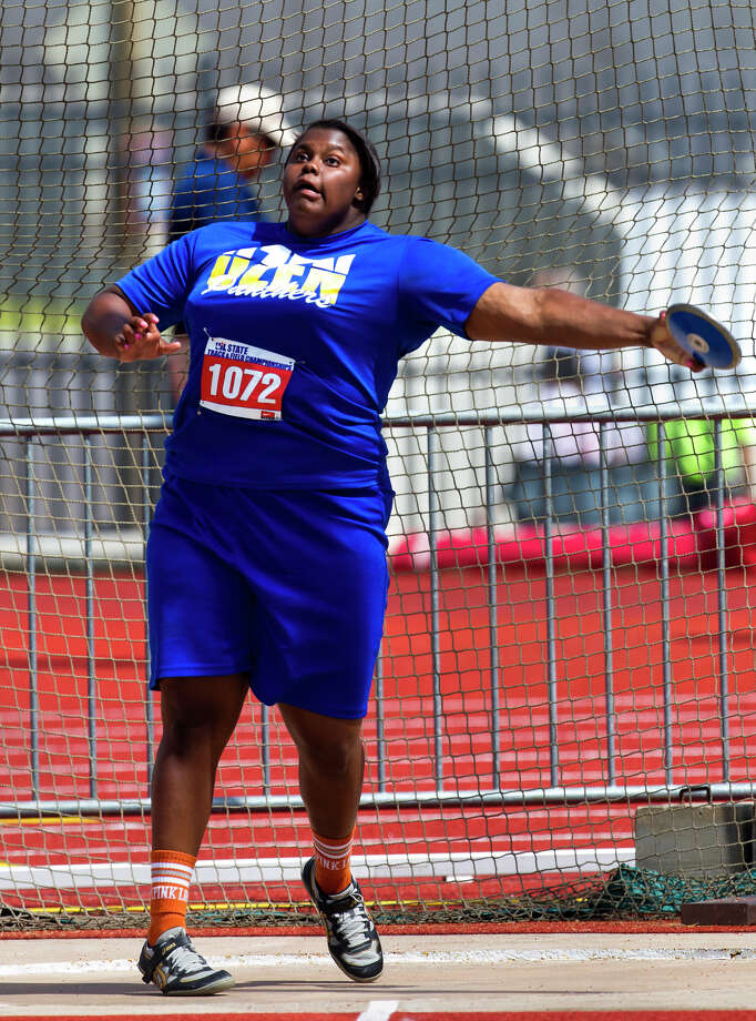 Beaumont Ozen High School's Nekia Jones prepares to release during the 4A Girls Discus Throw during the High School State Track meet held at Mike A. Myers Stadium in Austin Friday, May 10, 2013, in Austin. Photo: Cody Duty, Houston Chronicle / © 2013 Houston Chronicle