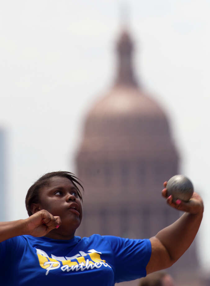 Beaumont Ozen High School's Nekia Jones throws during the 4A Girls Shot Put during the High School State Track meet held at Mike A. Myers Stadium in Austin Friday, May 10, 2013, in Austin. Photo: Cody Duty, Houston Chronicle / © 2013 Houston Chronicle