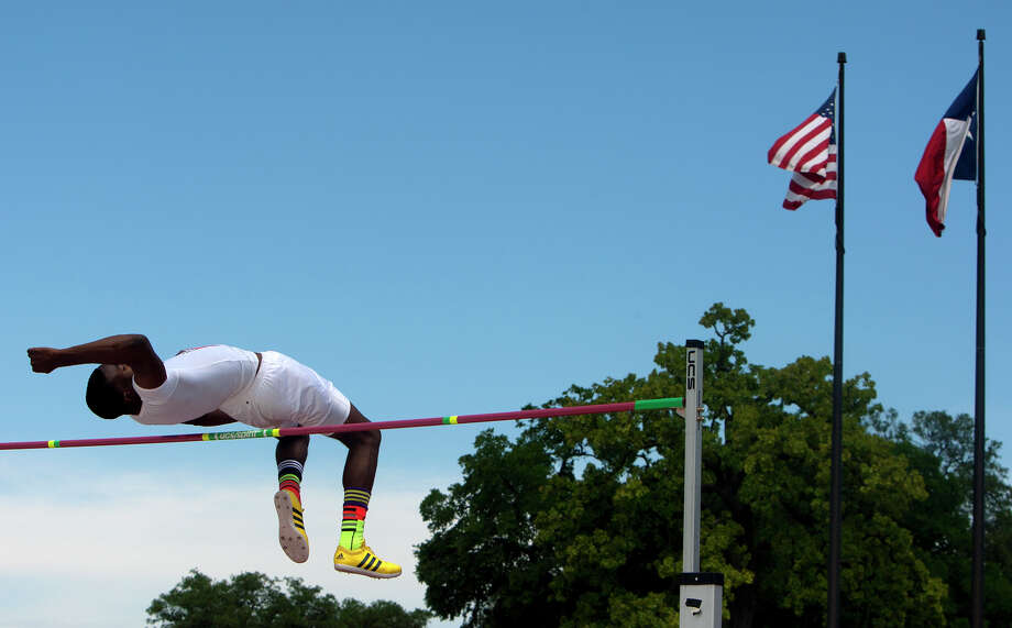 Beaumont Central's Landon Malbrough competes during the 4A Boys High Jump held at the state track meet at Mike A. Myers Stadium in Austin Friday, May 10, 2013, in Austin. Photo: Cody Duty, Houston Chronicle / © 2013 Houston Chronicle