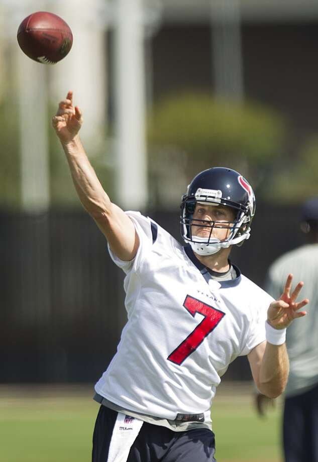 Quarterback Case Keenum throws a pass.