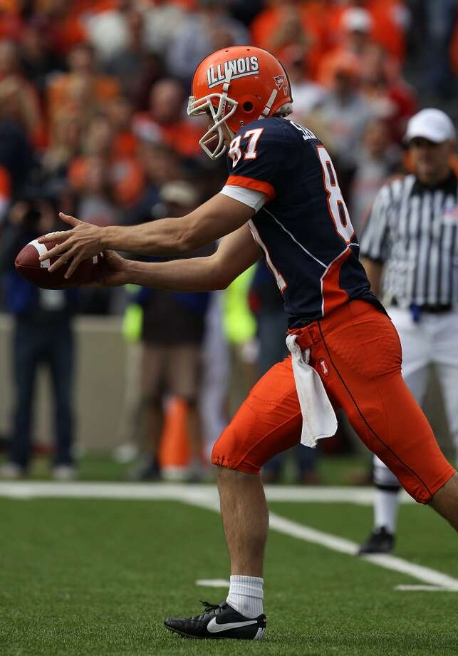 Illinois punter Anthony Santella