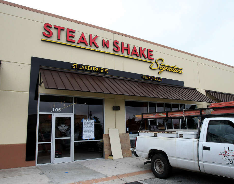San Antonio's first Steak 'n Shake restaurant is being readied for opening this month in the Alamo Ranch shopping center. Photo: John Davenport / San Antonio Express-News