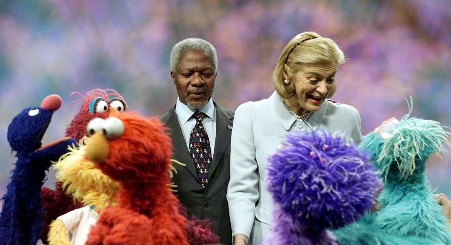 Then-United Nations Secretary General Kofi Annan, left, and his wife Nane taped a ''Sesame Street'' show in 2001.