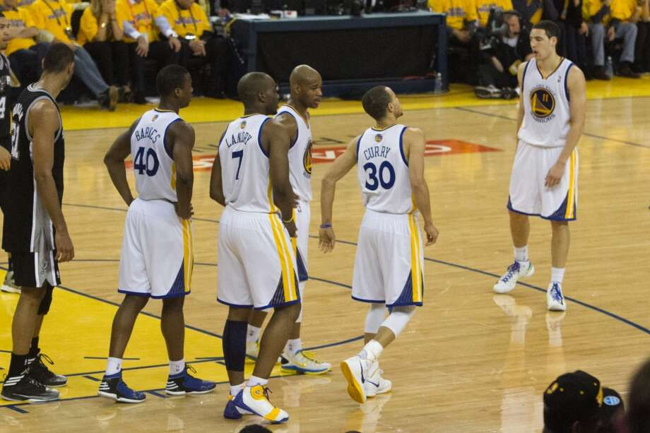 The Warriors (30) Stephen Curry tries to walk off an ankle injury in game 3 of the NBA Western Conference Semifinals between the Golden State Warriors and  the San Antonio Spurs at Oracle Arena, in Oakland, Calif. on May 10, 2013.