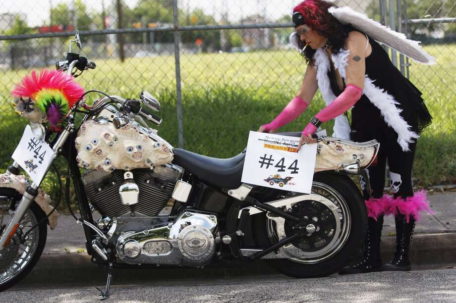 Kimberly Bainter at theArt Car Parade Saturday. Photo: Johnny Hanson/Chronicle