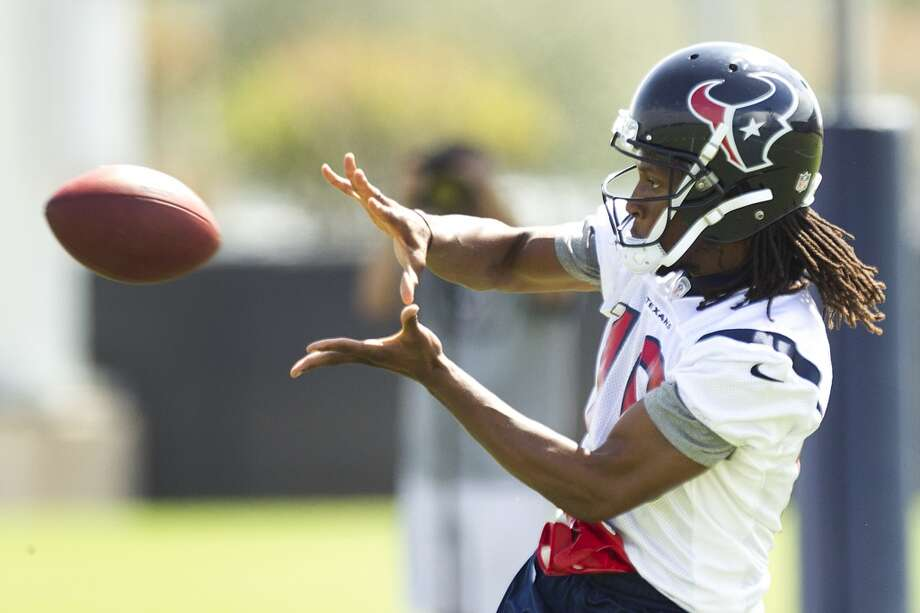 DeAndre Hopkins makes a catch.