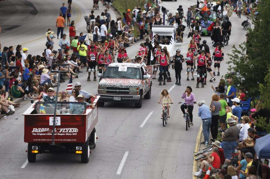 Scenes from the Art Car Parade on Saturday. Photo: Johnny Hanson/Chronicle