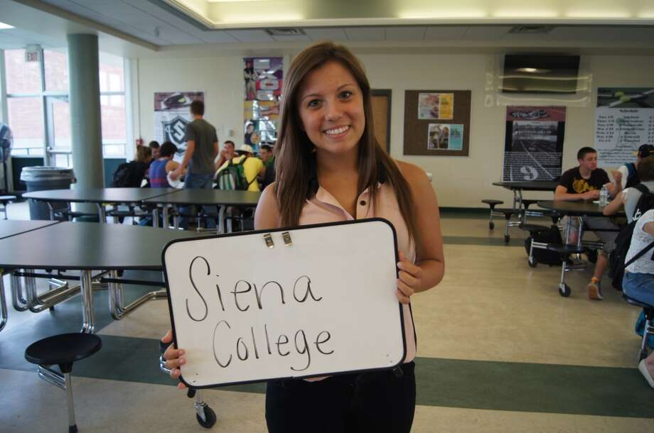Nikki Cutitta going to Siena College. Photo by Rosa D'Ambrosio.