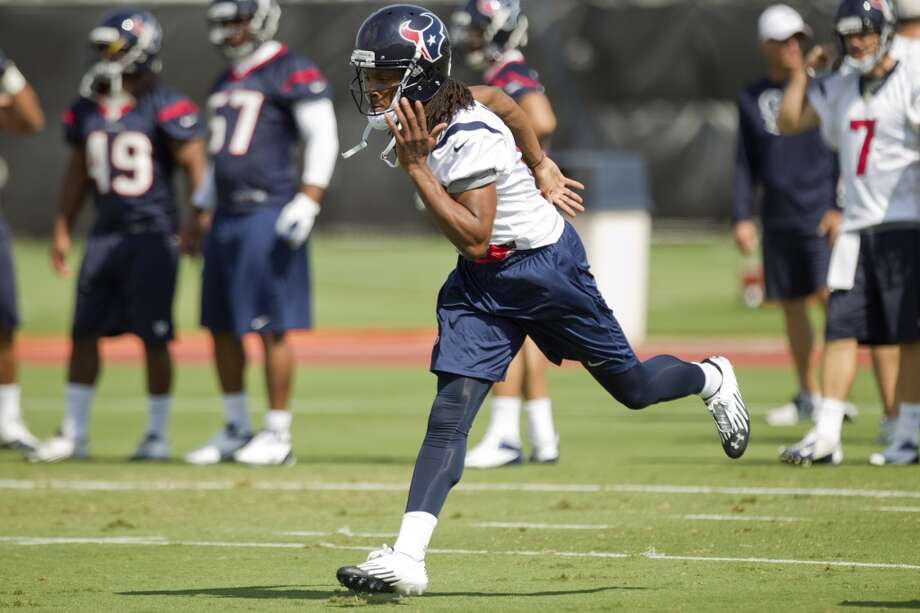 Receiver DeAndre Hopkins runs a route.