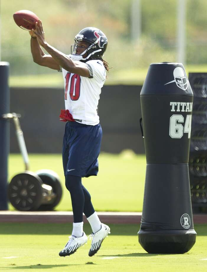 Texans receiver DeAndre Hopkins hauls in a catch.