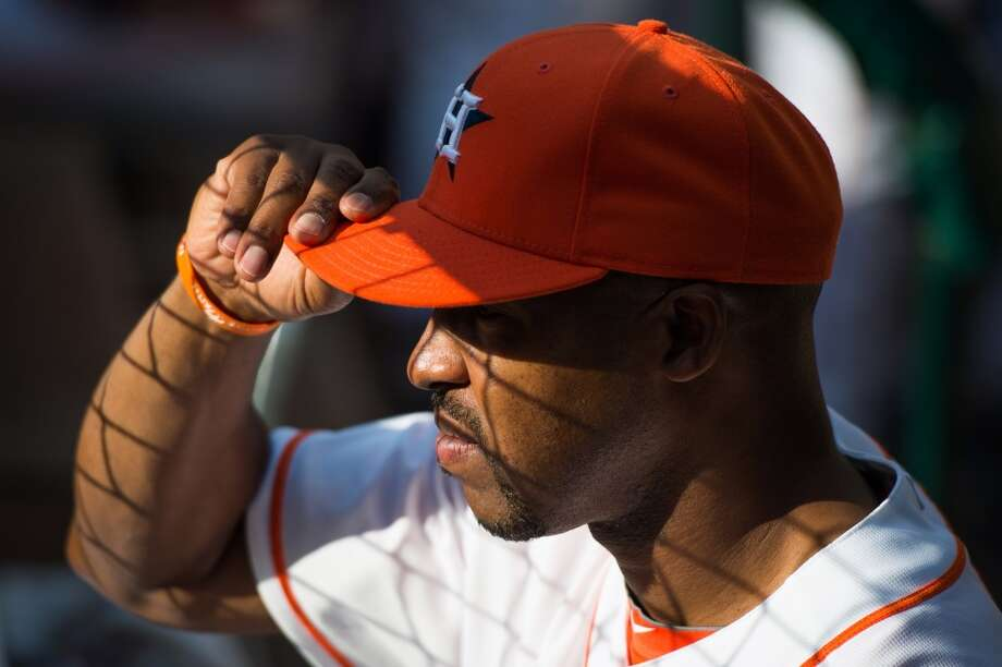 Astros manager Bo Porter watches his team play the Rangers. Photo: Smiley N. Pool, Houston Chronicle