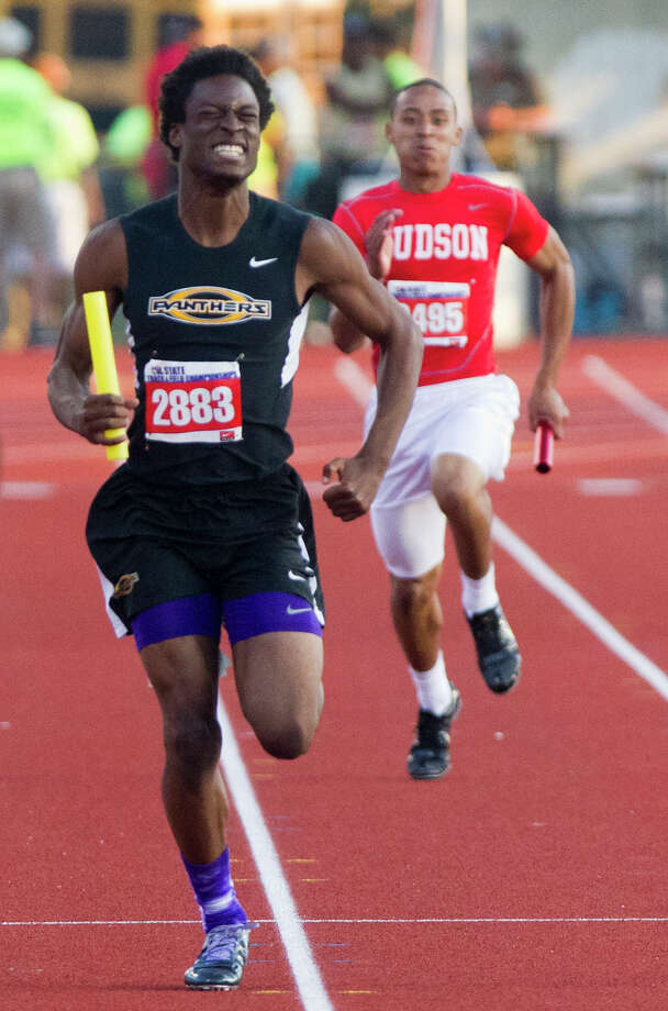 Klein Oak's Devante Lacy competes in the 5A Boys 4x200 Meter Relay during the UIL High School State Track Meet at Mike A. Myers Stadium Saturday, May 11, 2013, in Austin. Photo: Cody Duty, Houston Chronicle / © 2013 Houston Chronicle