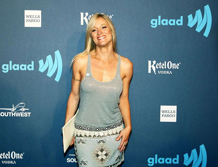 Actress Teri Polo walks the red carpet at the annual GLAAD media awards Saturday, May 11, 2013 in San Francisco, Calif. Polo plays a lesbian mom in the television drama The Foster. Photo: Lance Iversen, The Chronicle