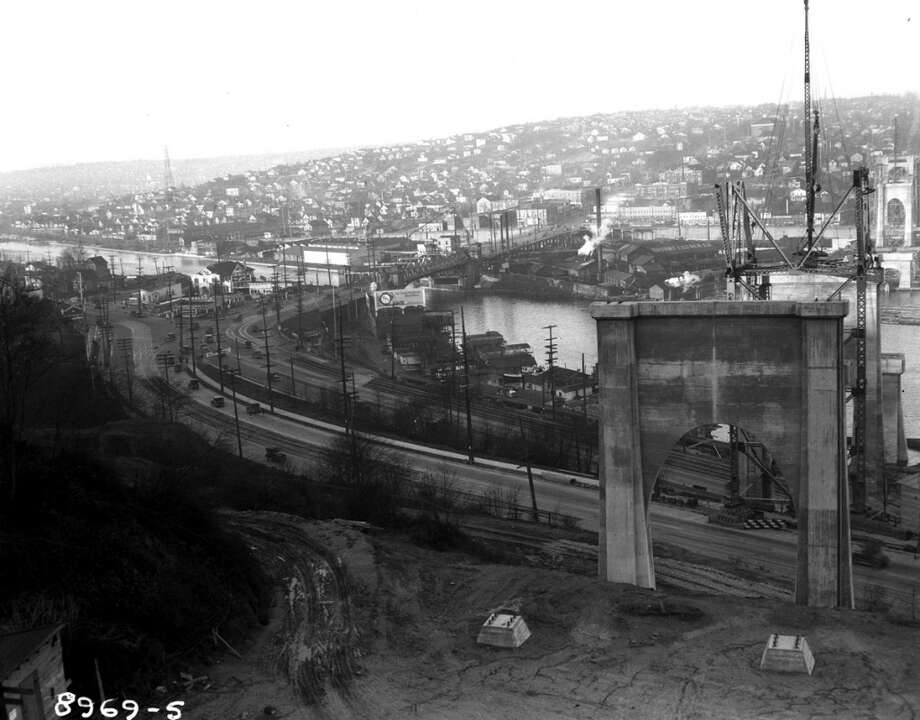 Aurora Bridge construction in 1931, Queen Anne end.  (Photo courtesy of Michael Falcone and 'The Hall of Giants')