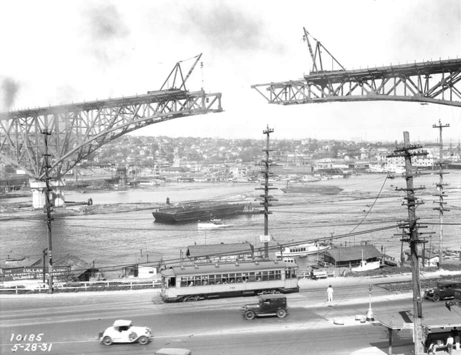 Aurora Bridge construction in 1931.  (Photo courtesy of Michael Falcone and 'The Hall of Giants')