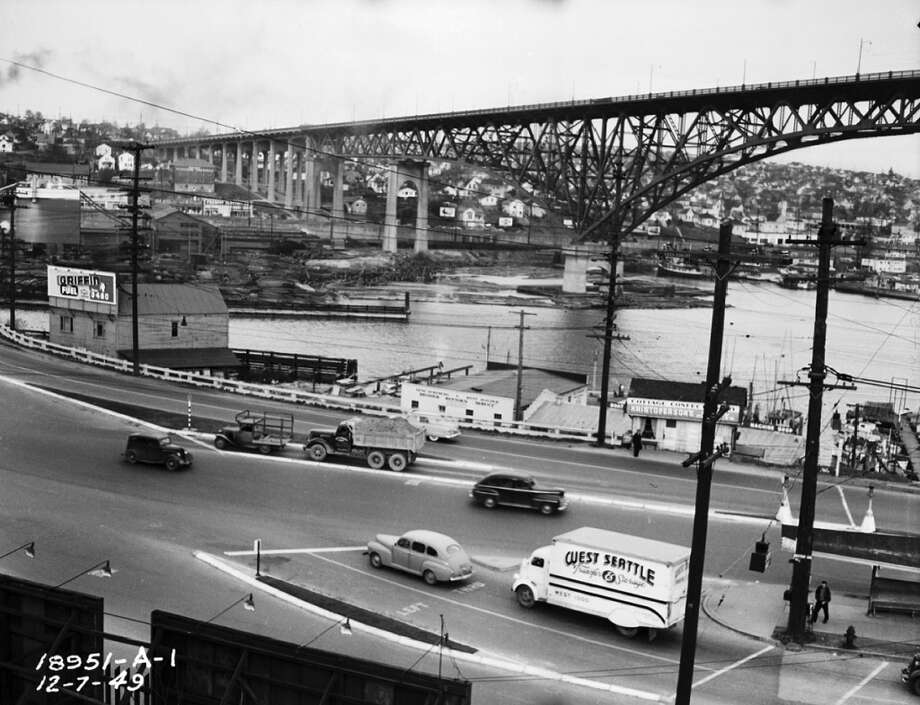 Aurora Bridge in 1949 before Troll construction.  (Photo courtesy of Michael Falcone and 'The Hall of Giants')