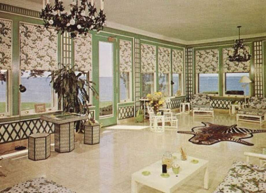 Elaborate wall coverings. Daisy would look pretty in here. Photo via Old Long Island/SPLIA.