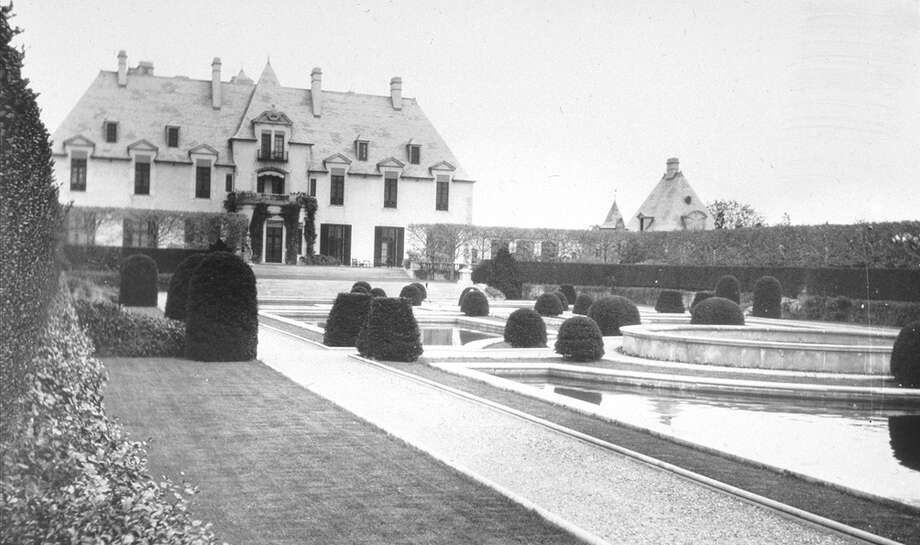 Long view of grounds. Photo: public domain