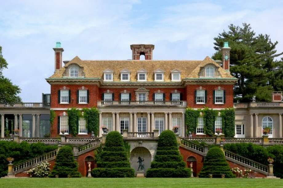 Front facade and grounds of Westbury.