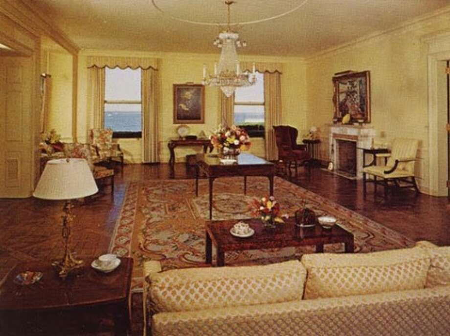 Interiors of Land's End, circa early 1980s. Photo via Old Long Island/SPLIA