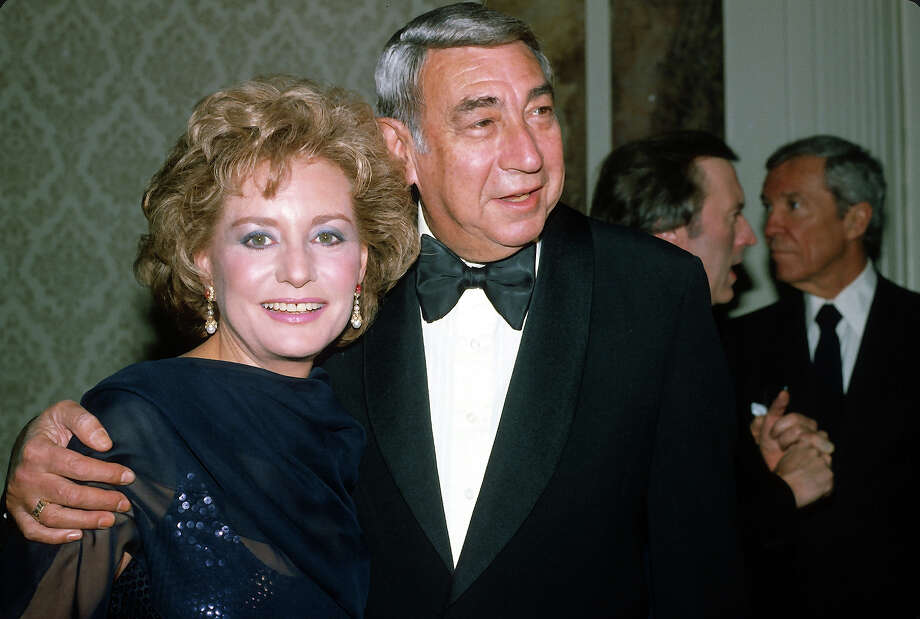 Barbara Walters and Howard Cosell pose for a picture at an ABC Network event March 23, 1983 in New York City. Photo: Yvonne Hemsey, Getty Images / Getty 2013