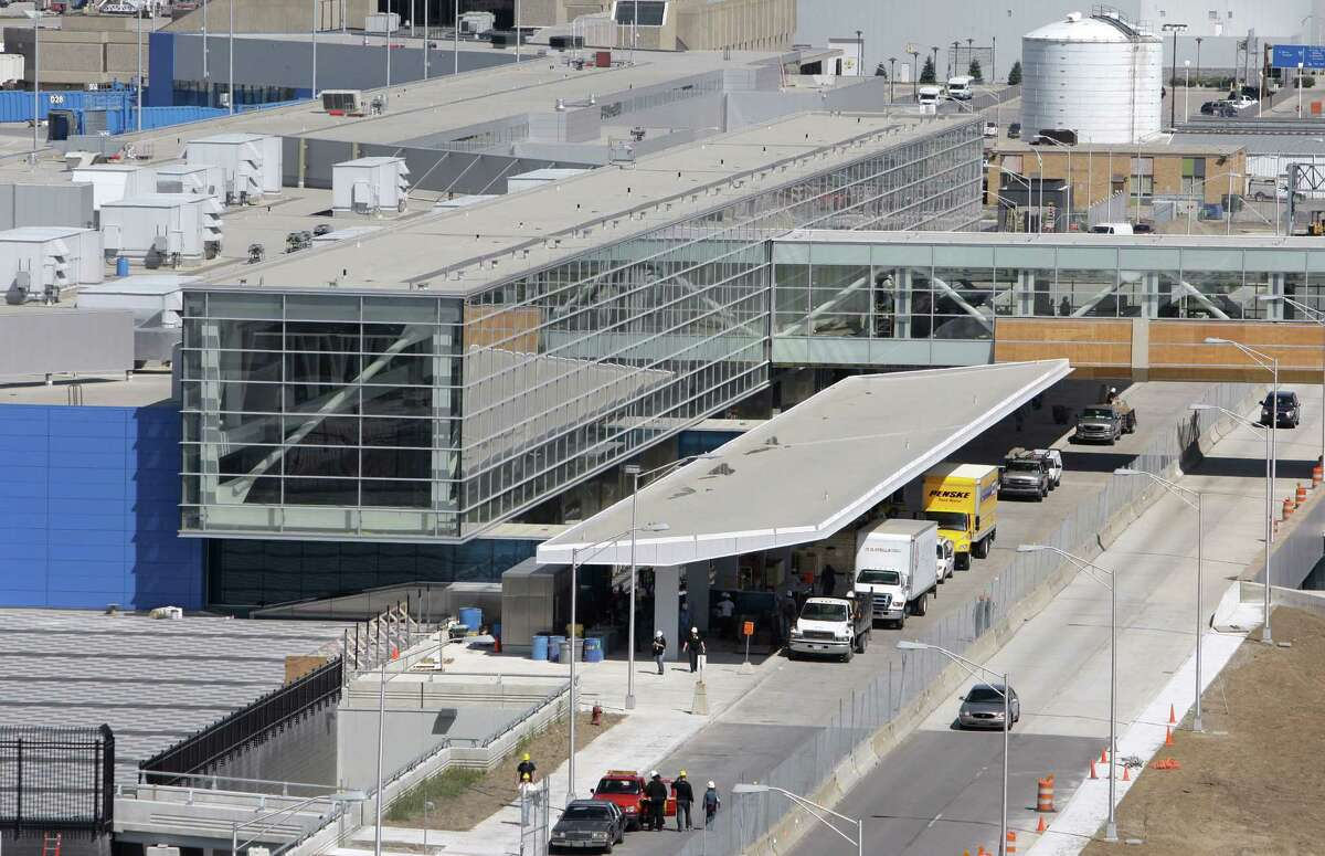 9. Detroit Metro Airport Average TSA wait time: 24 minutes, 8 seconds Average number of departing passengers: 42,653