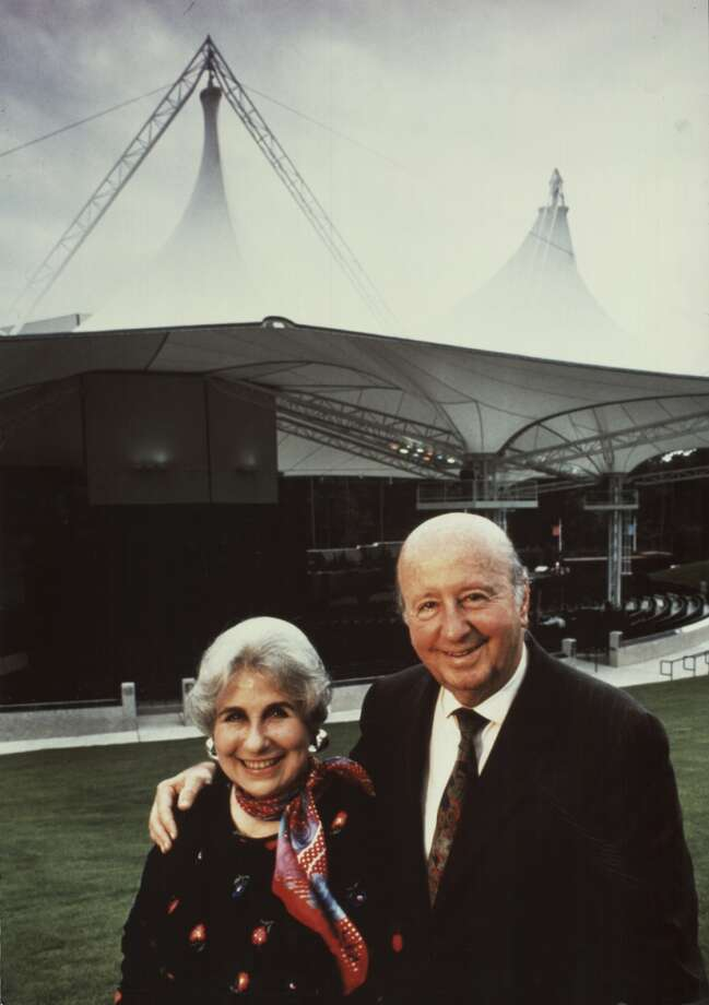 George and Cynthia Mitchell during opening of Pavilion 1990. Photo: Mitchell Archive / Mitchell archive