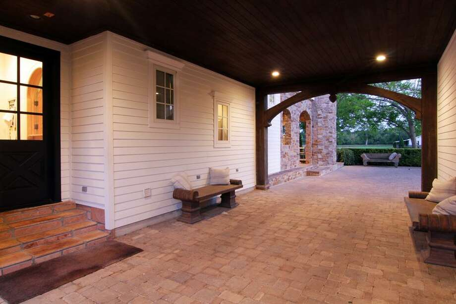 Porte-cochere.