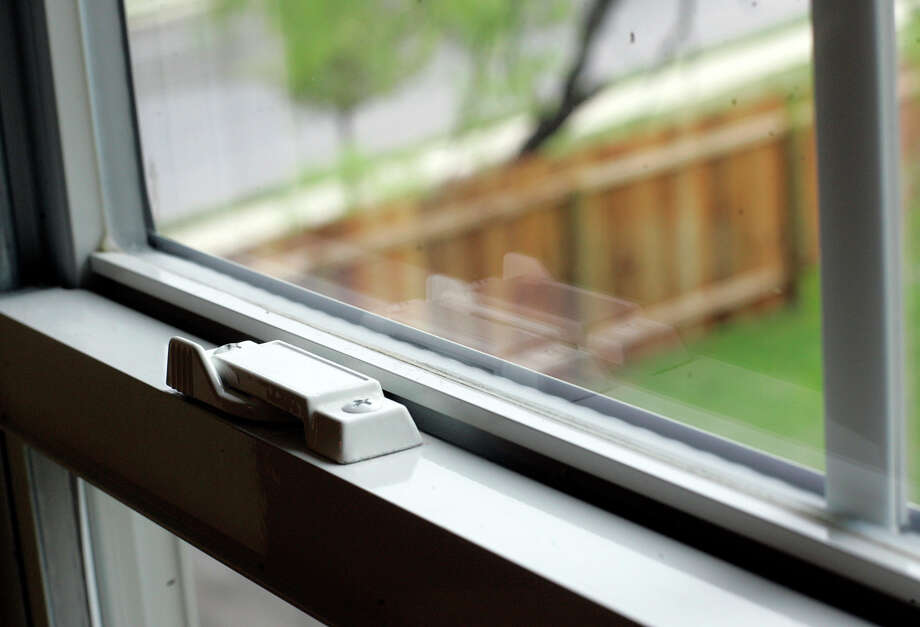 Replace windows with Energy Star ones. Photo: J. MICHAEL SHORT, SPECIAL TO THE EXPRESS-NEWS / THE SAN ANTONIO EXPRESS-NEWS