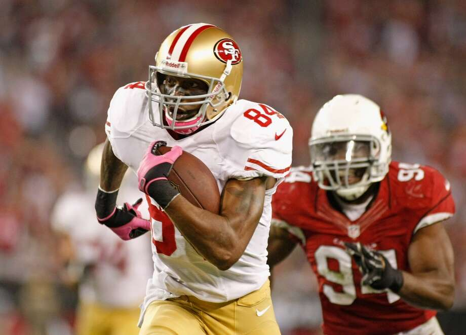 Randy Moss  Wide receiver  Previous team: San Francisco 49ers  Status: Unrestricted Photo: Ralph Freso, Getty Images