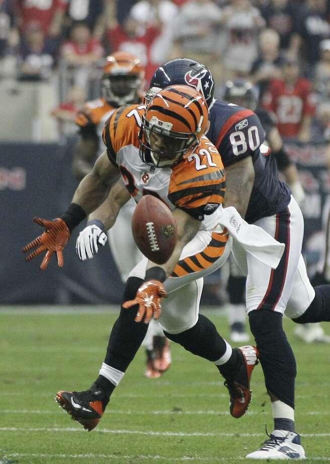 Nate Clements  Cornerback  Previous team: Cincinnati Bengals  Status: Unrestricted Photo: Tony Gutierrez, Associated Press